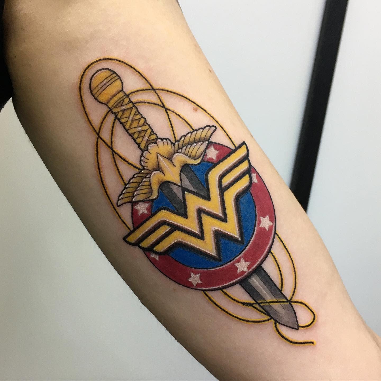 Symbol Wonder Woman Tattoo -julls_tattoo