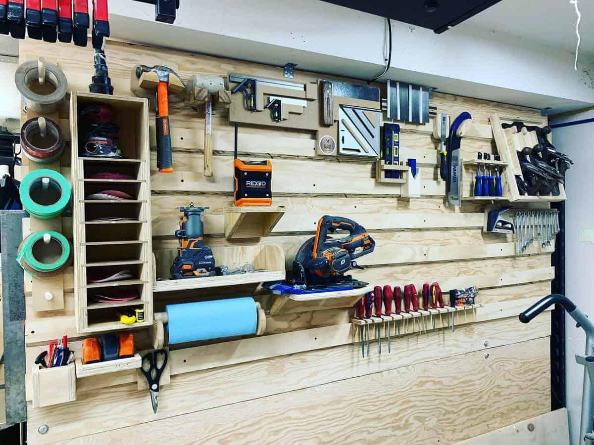 Wood Tool Storage Ideas -matmakinthings
