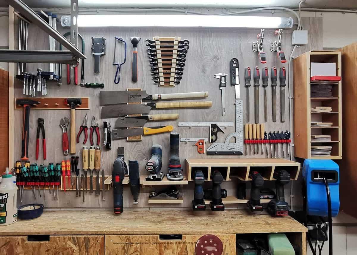 Workbench Tool Storage Ideas -moeller_lindern