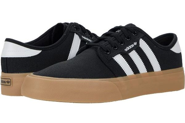 Loja de sapatos online Zappos