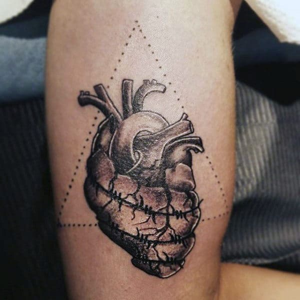 Abstract Triangle Barbed Wire Heart Tattoo For Guys