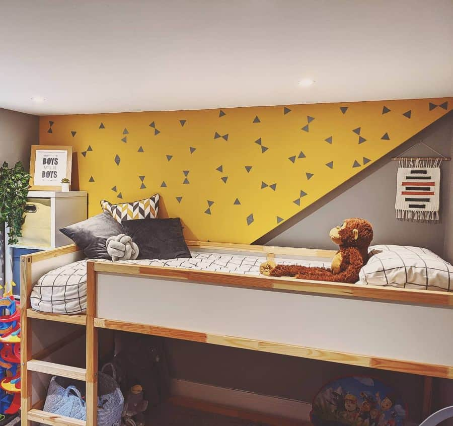 accent wall yellow bedroom ideas renovating.no.6
