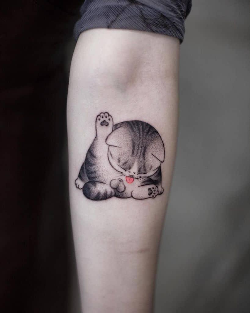 Akiwong Cute Minimalist Cat Tattoo
