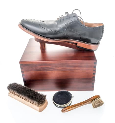 Allen Edmonds Woodlore Professional Style Cedar Shoe Shine Valet Kit For Men
