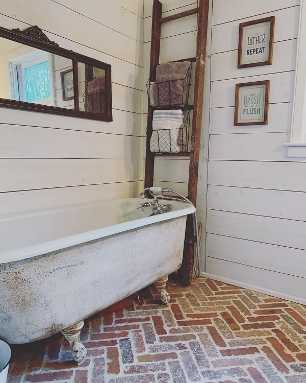 Antique Decor Shabby Chic Farmhouse Bathroom E.b.byfarmandsea