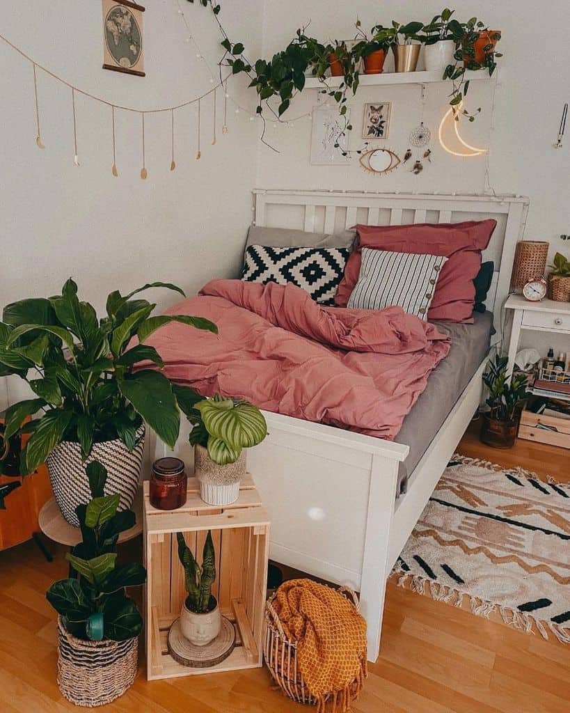 apartment cozy bedroom ideas plantropology_