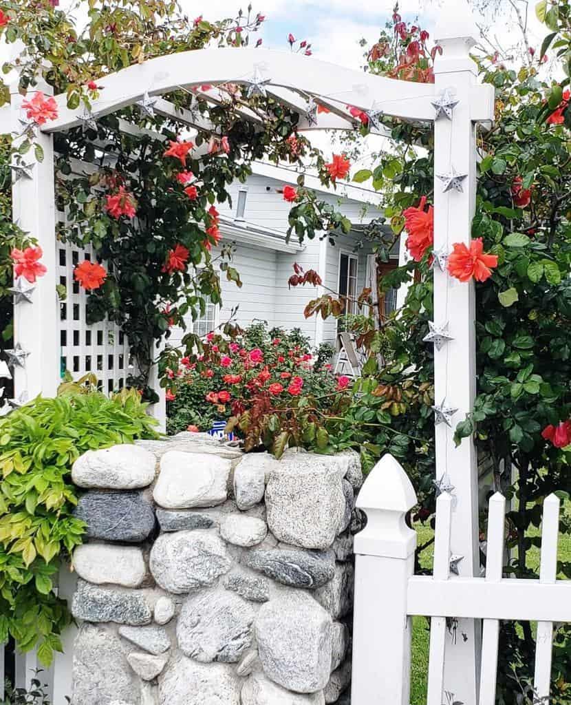 arbor garden trellis ideas lisas_garden_therapy