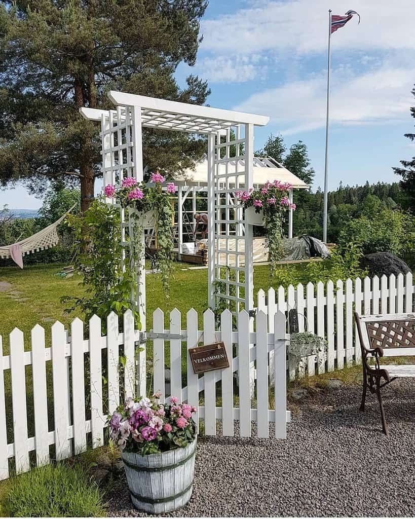 arbor garden trellis ideas livetpalahaugen