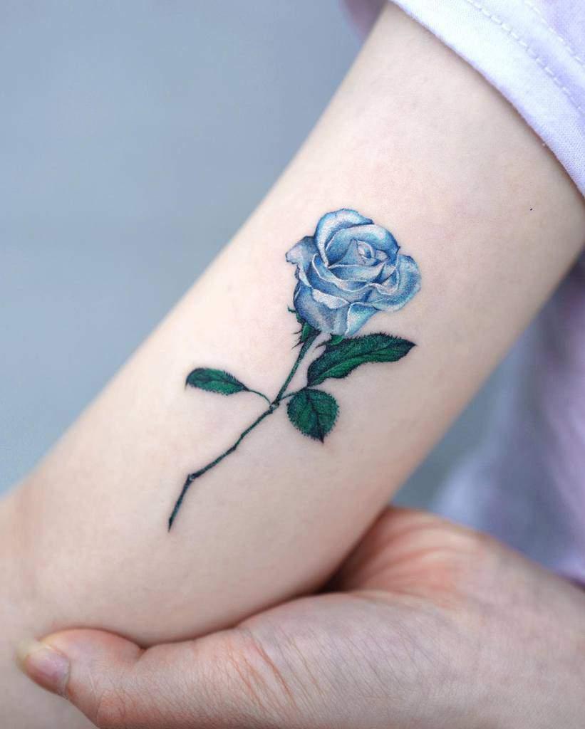 arm blue rose tattoos tattooist_yun