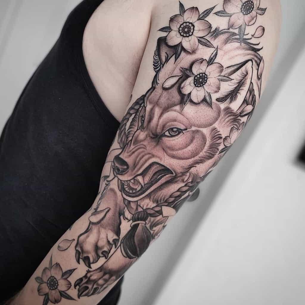 arm japanese wolf tattoo blackmoon_tattooo