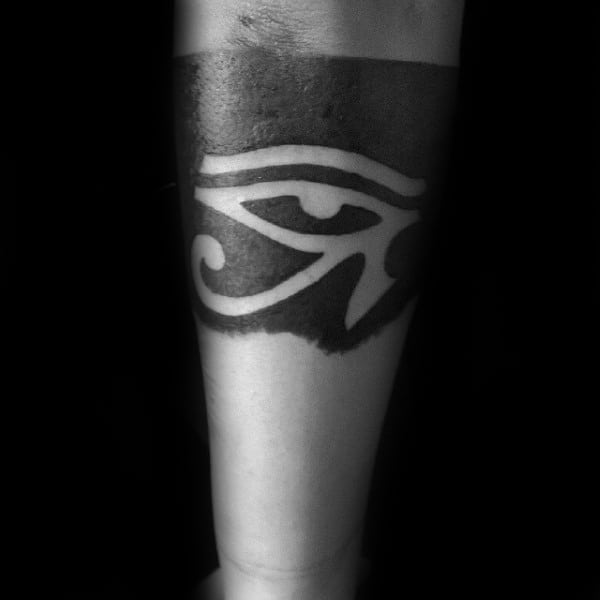 Armband Blackwork Eye Of Horus Mens Negative Space Tattoo