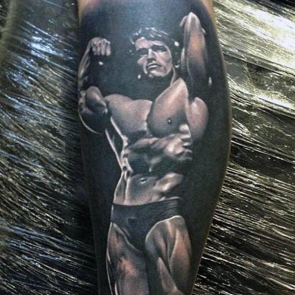 Arnold Schwarzenegger - Tatuaje en la pantorrilla de la pierna de fitness sombreado con tinta negra para hombre