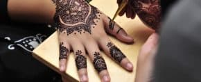 Using Henna for Temporary Tattoos – [2020 Information Guide]