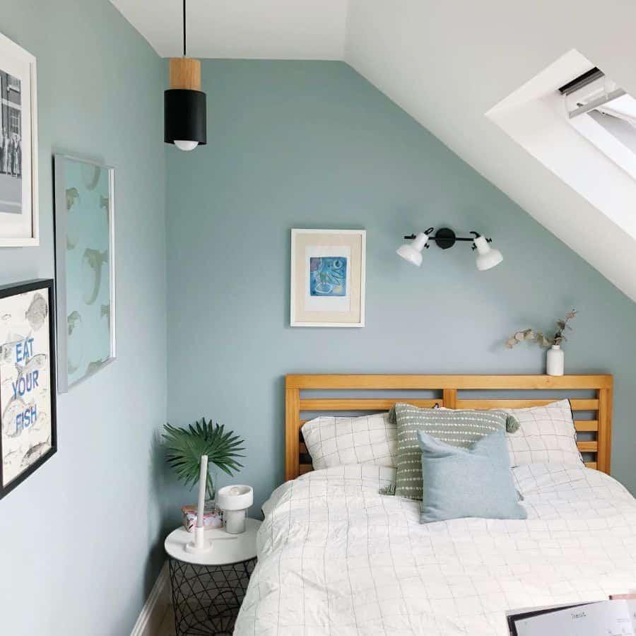 Attic Room Loft Room Guest Bedroom Ideas Fernhouselndn