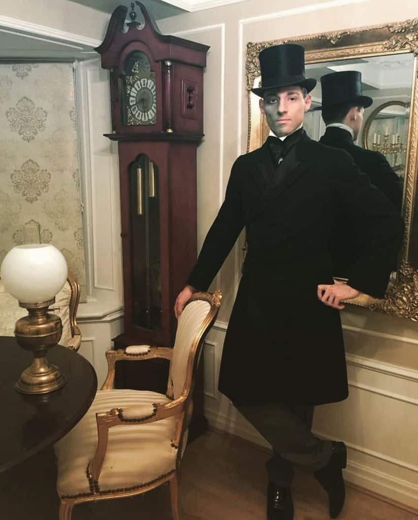 Awesome Black Victorian Suit Style