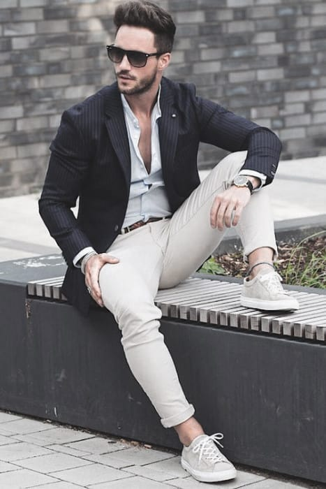 Awesome Business Casual Outfits Styles For Men Blazer With White Pants