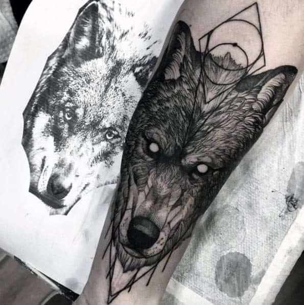 awesome-geometric-wolf-forearm-tattoo-ideas-for-men
