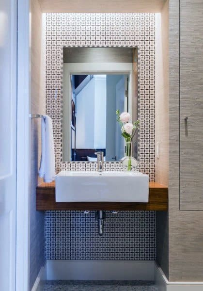 accent small bathroom tile ideas