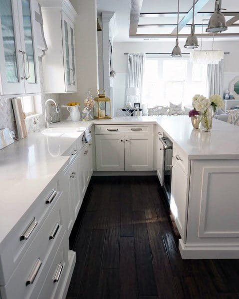 Awesome Kitchen Flooring Ideas With Dark Hardwood
