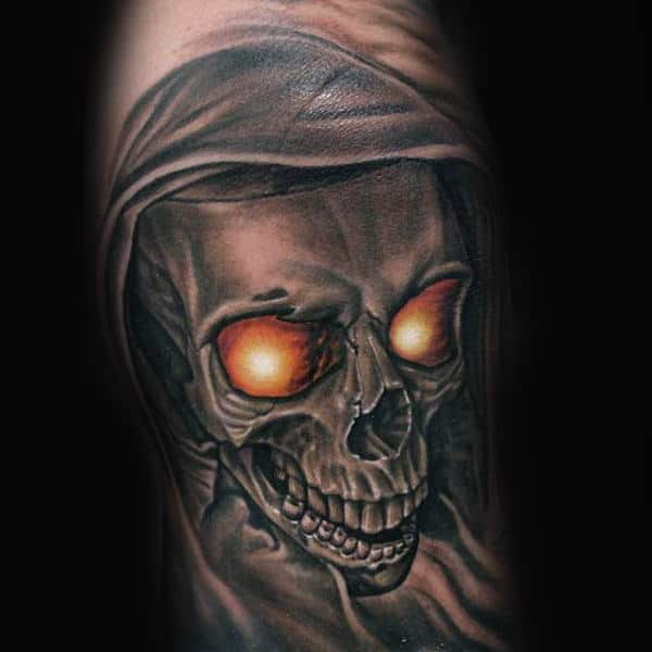 Awesome Skull With Glowing Orange Eyes Knee Tattoo On Men