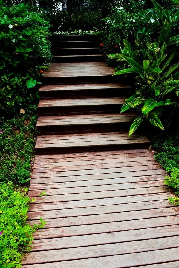 Awesome Square Blocks Wooden Walkway Ideas