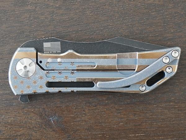 Back Darrel Ralph Dominator Ventilator Carbon Fiber Ii Folding Knife With American Flag Design