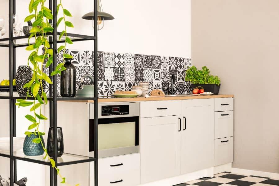 Backsplash Ideas Black And White Kitchen 1
