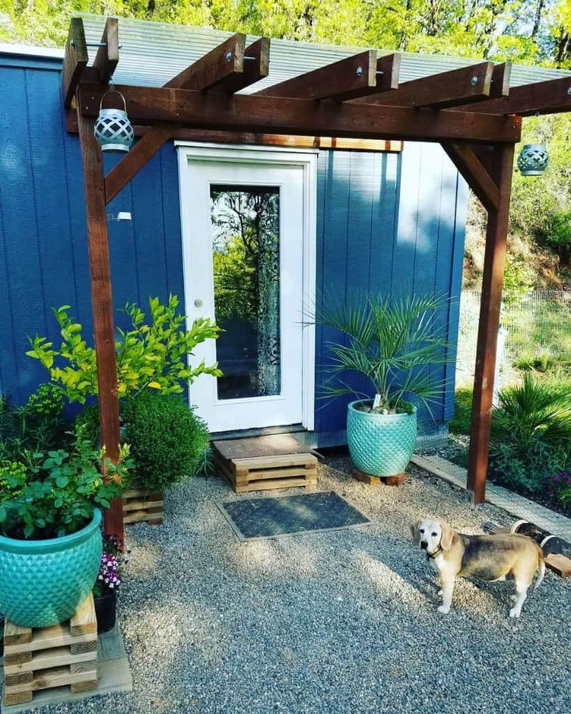 backyard container garden ideas beartrapgarden