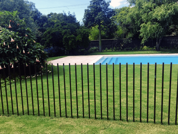 Backyard Designs Modern Rods Pool Fence