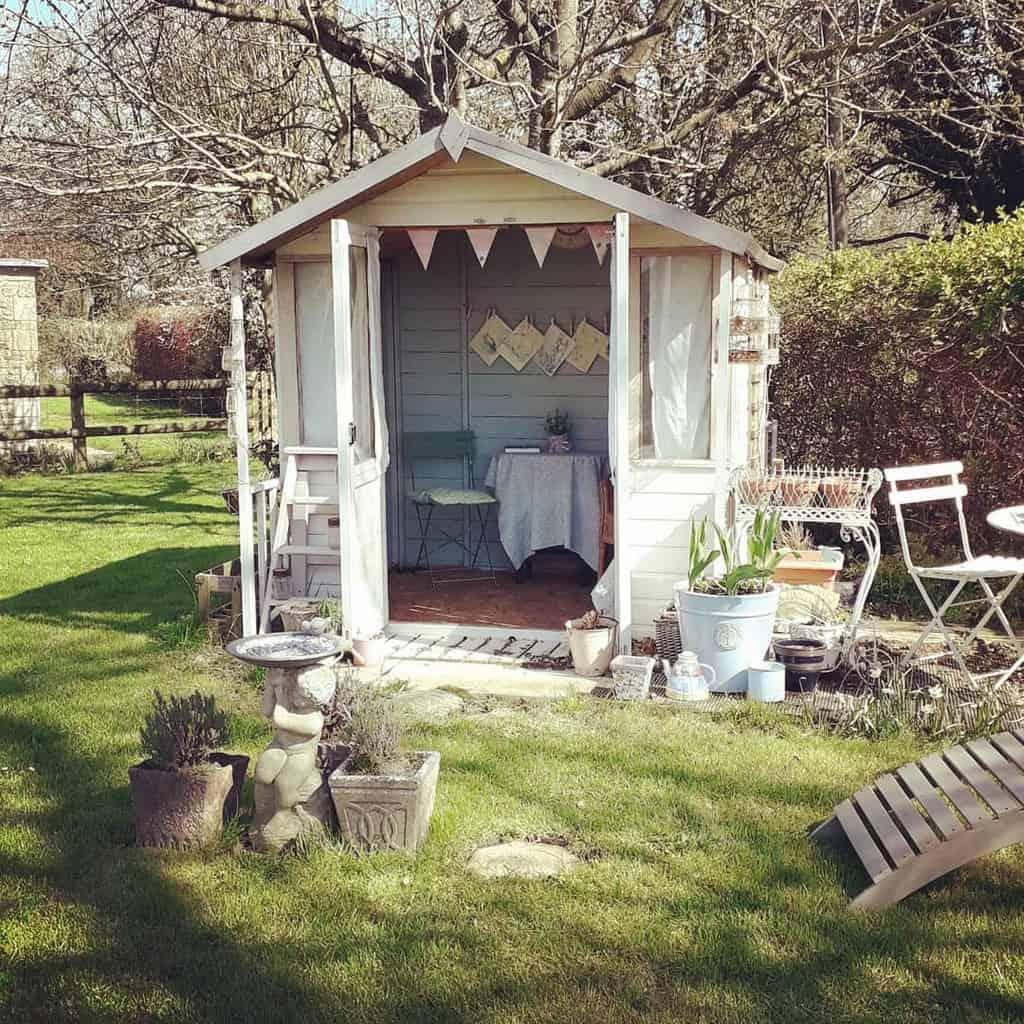 backyard enclosed patio ideas theoxfordshirefarmcottage