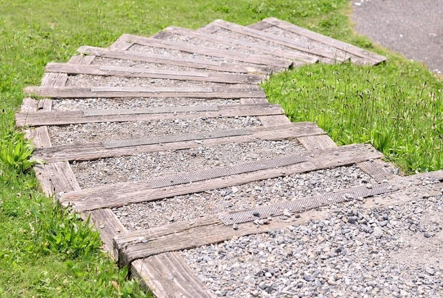 Backyard Garden Deck Wooden Walkway Home Designs
