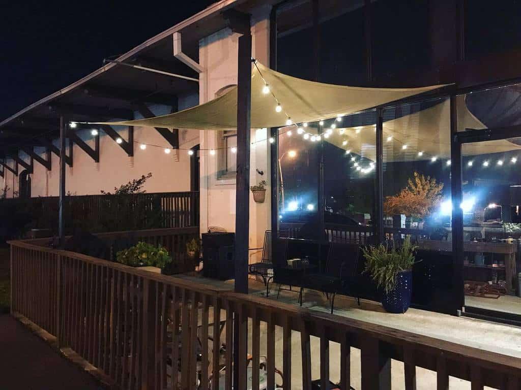 backyard patio lighting ideas josh_hywel