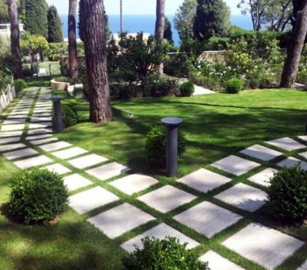 Backyard Square Steeping Stone Walkway