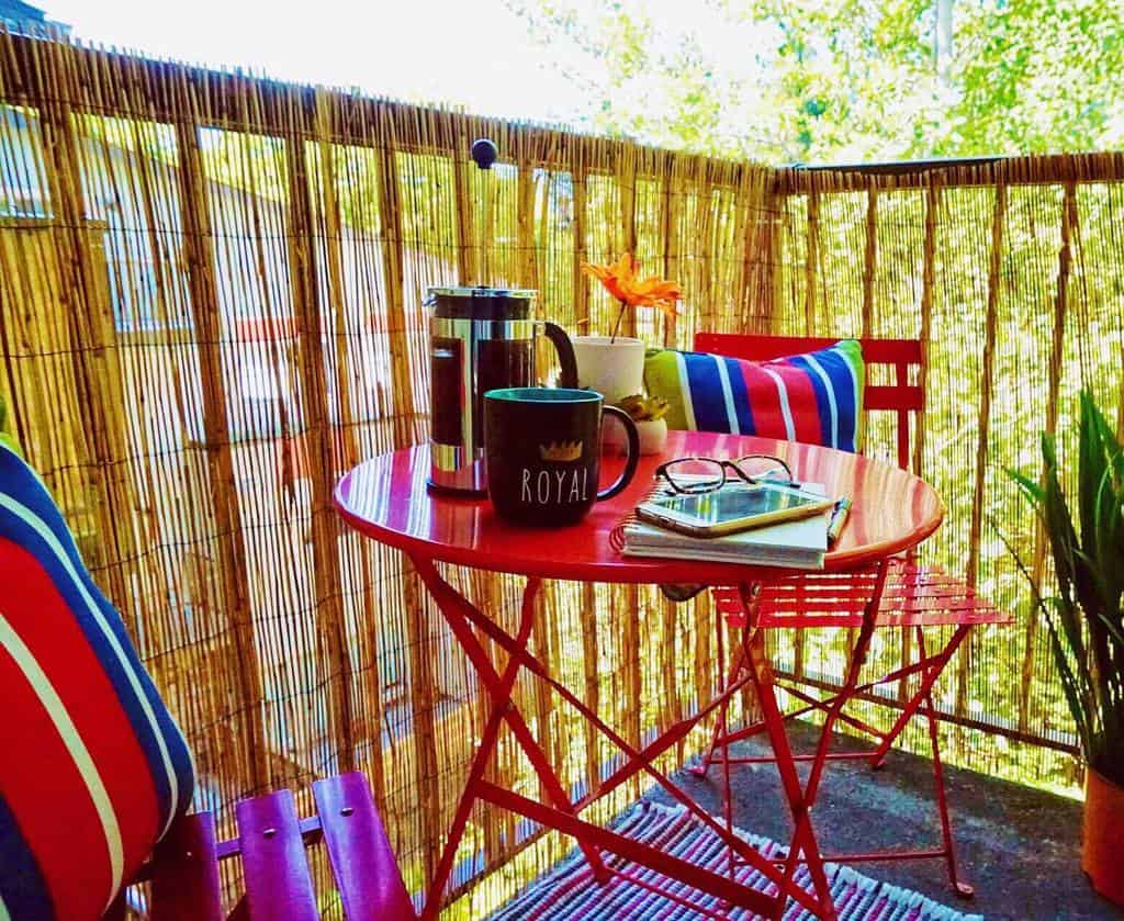 balcony apartment patio ideas emmak_homestyling