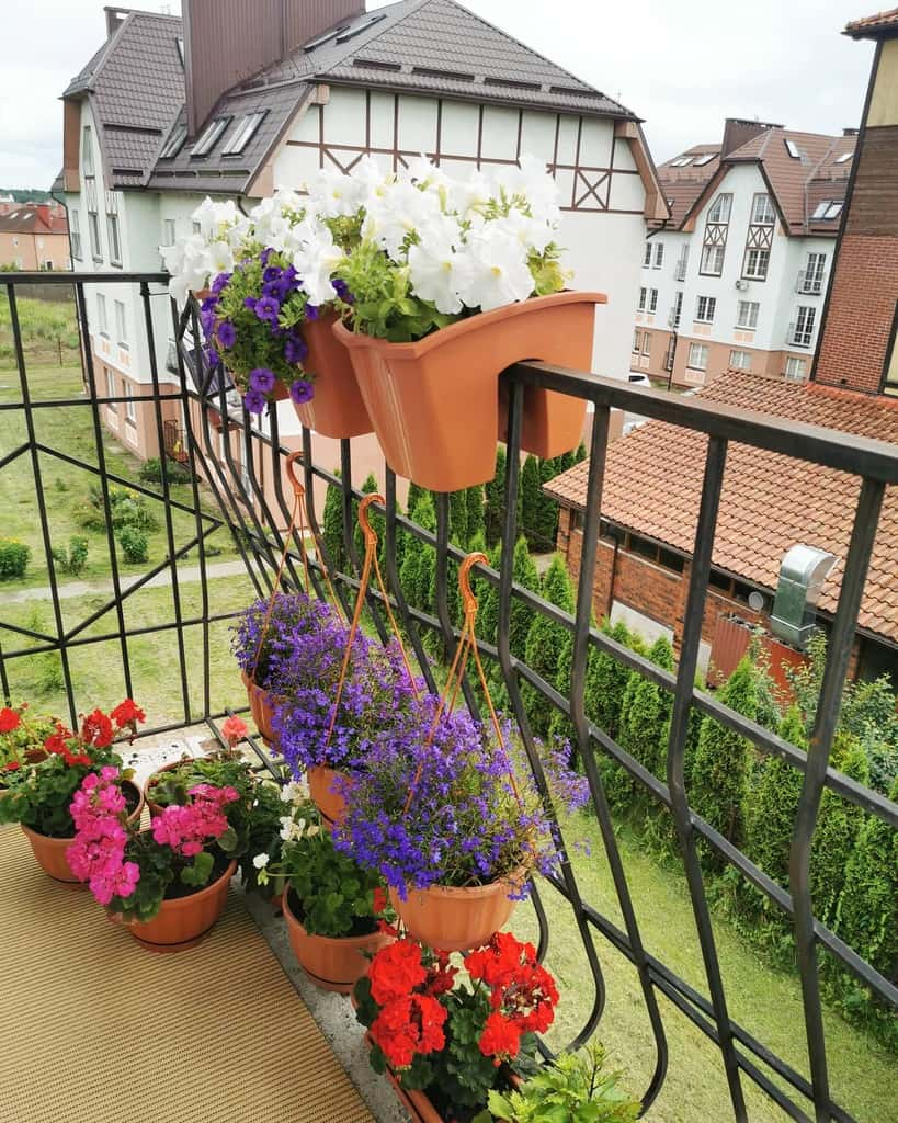 balcony rooftop flower garden ideas mini_balcony