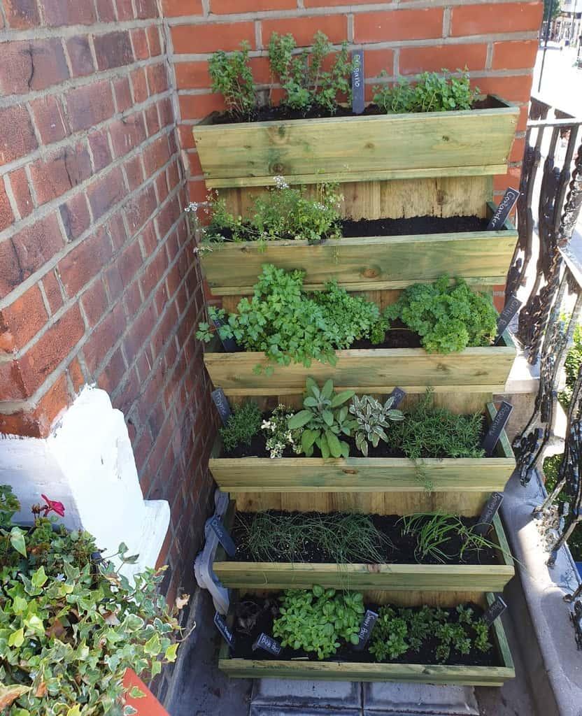 balcony rooftop herb garden ideas h.s.leeee