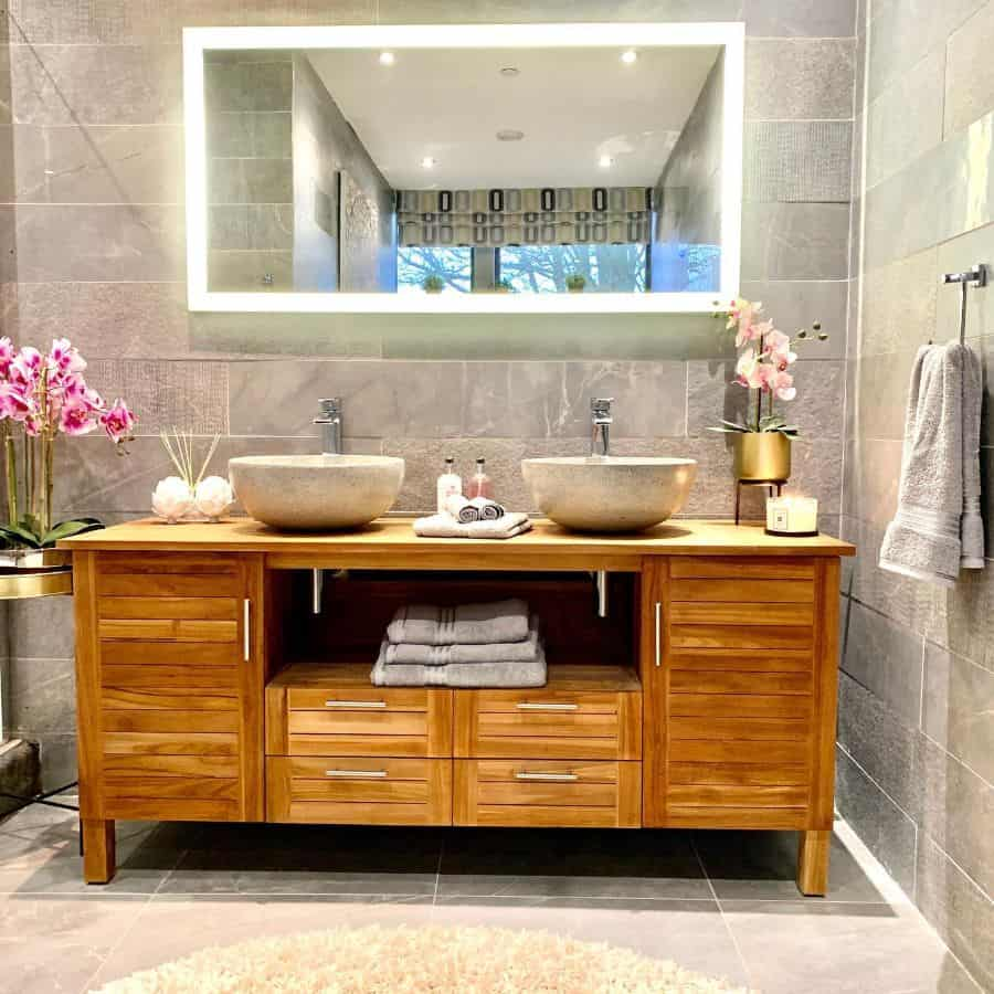 standing cabinet style vanity bathroom storage ideas