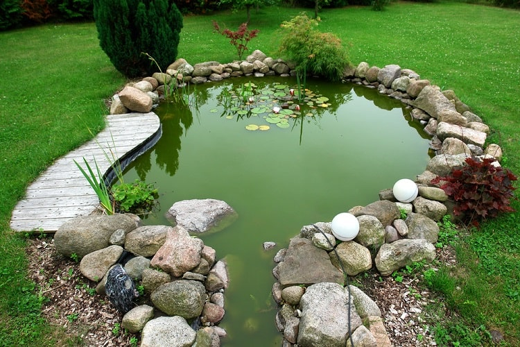 Beautiful Classical Design Backyard Garden Pond