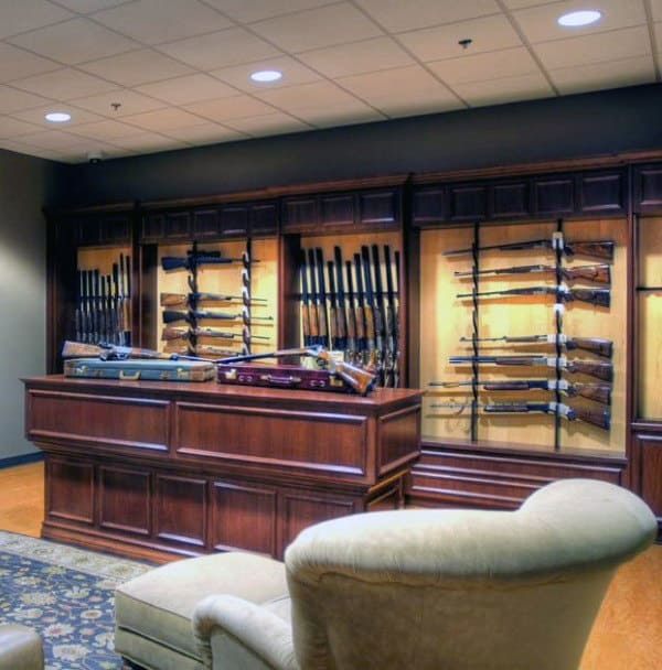 Beautiful Gun Room Design With Table In Middle