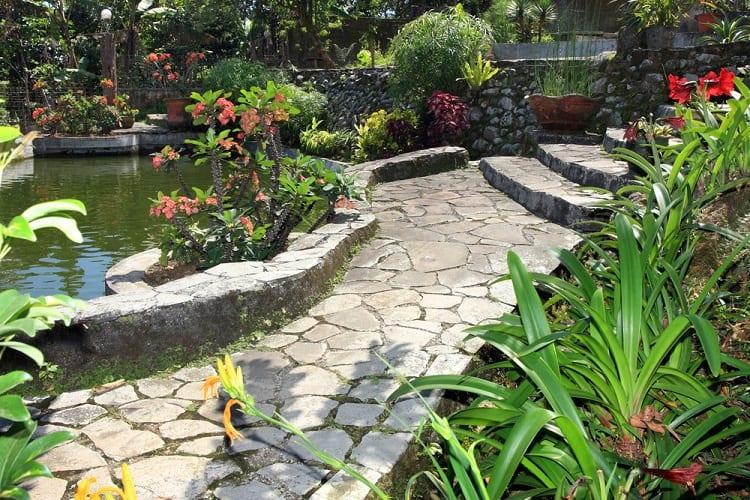 Beautiful Natural Backyard Garden Pond Ideas