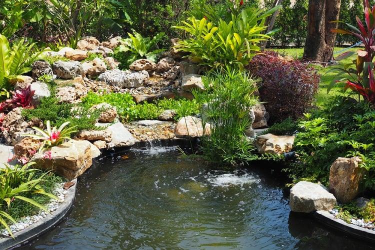 Beautiful Small Backyard Pond Landscaping