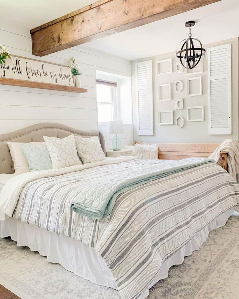 white farmhouse bedroom ideas