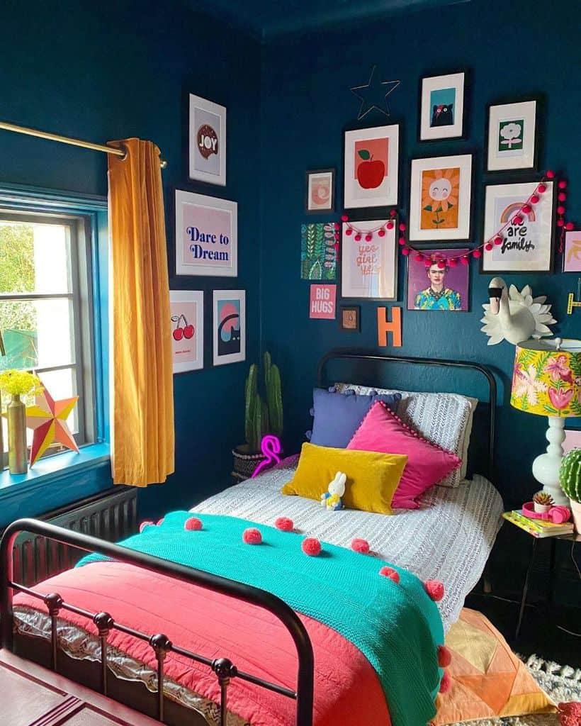 Bedroom Picture Wall Ideas Ninageehome