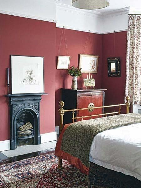 Bedrooms Decorated In Red