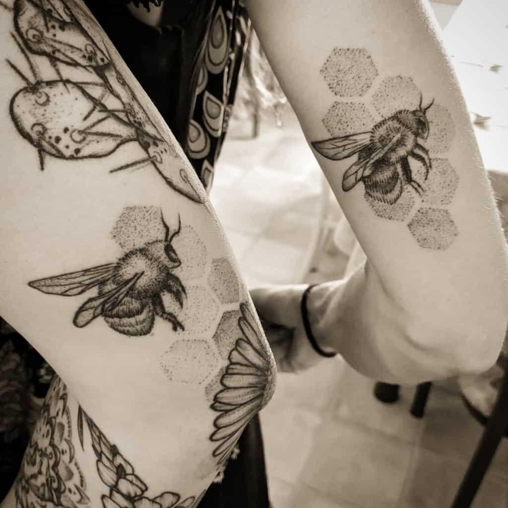 bee-buddies-sister-tattoo-aisforadventure