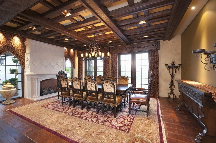 Big Classic Dining Room Wooden Beam Ceiling