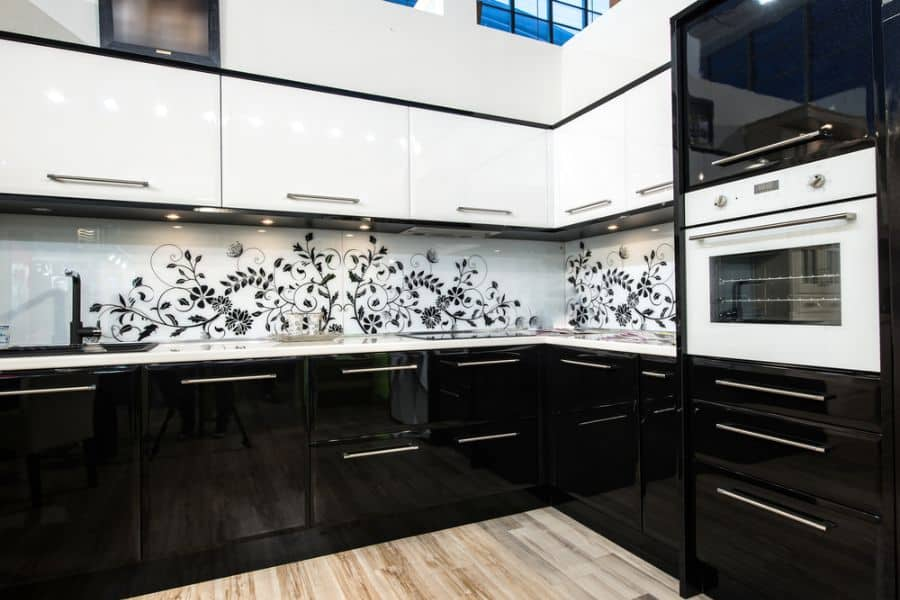 Black And White Kitchen Cabinets 5