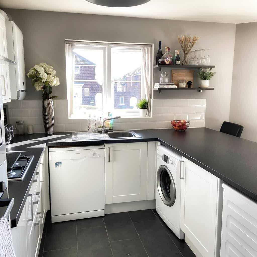 black and white kitchen color ideas home_iswhere_the_harte_is