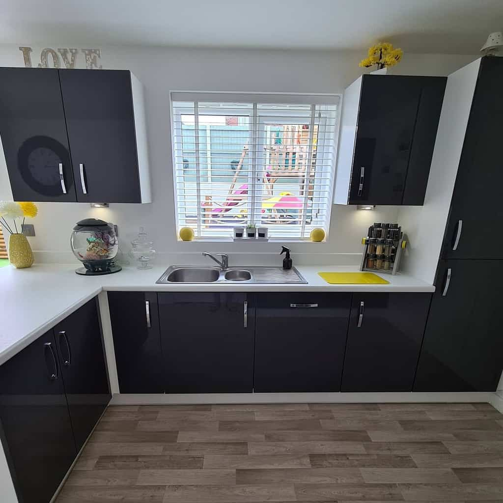 black and white kitchen color ideaschedworth_our_family_nest_