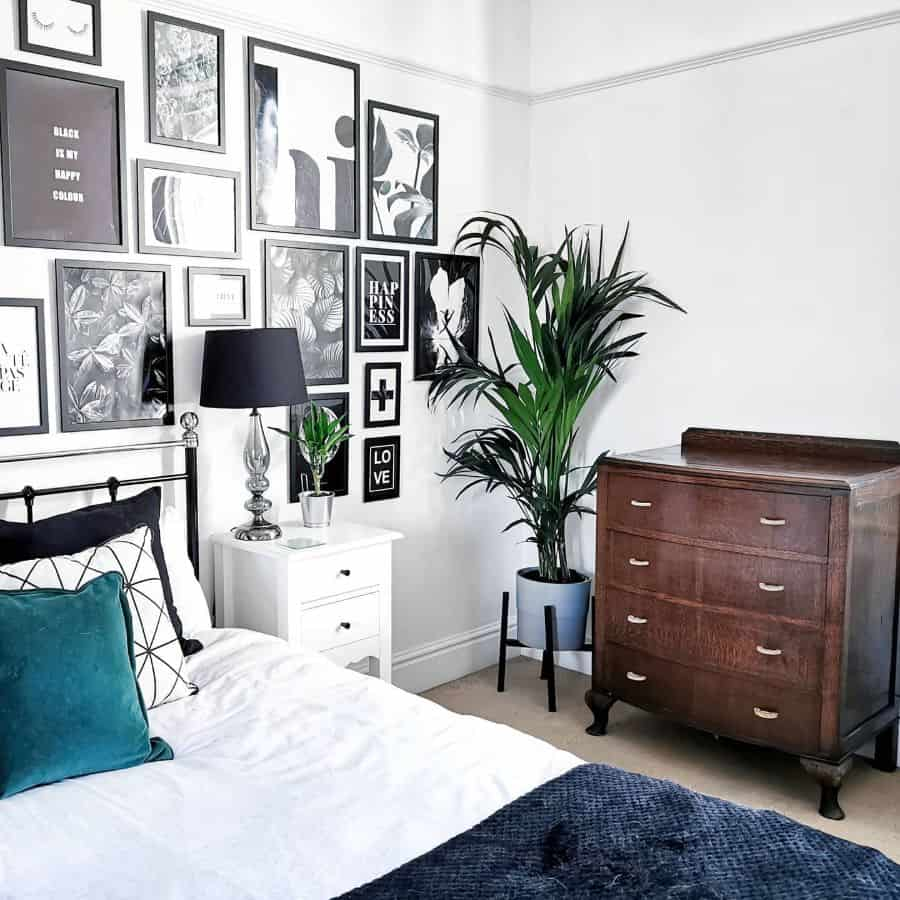 Black And White Picture Wall Ideas Budgethomeinteriordesign